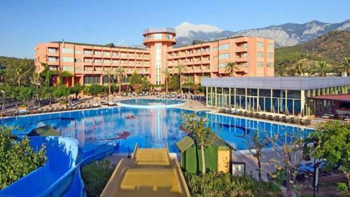 Simena Hotel бассейн днем