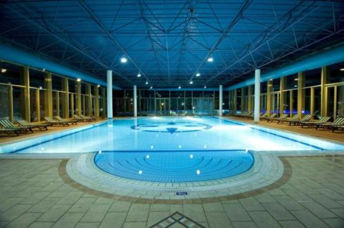 Simena Hotel крытый бассейн