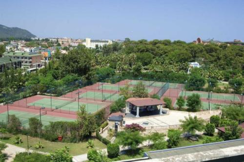 Simena Hotel теннисные  корты