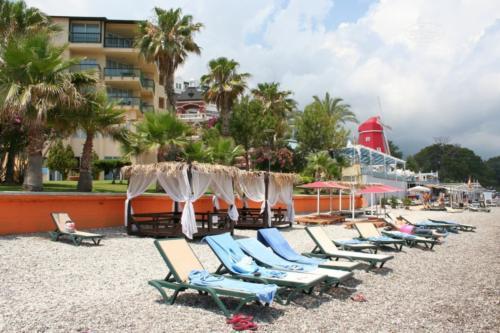 TUI Day & Night Hydros hotel пляж
