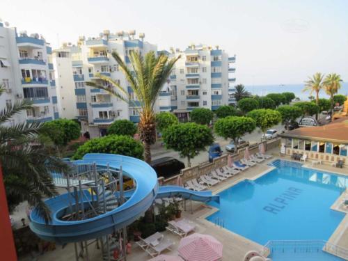 Xeno Hotel Alpina аквапарк
