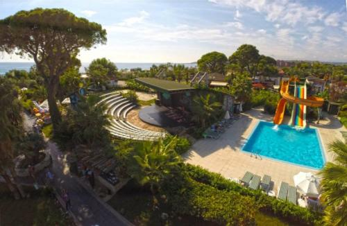 Zena Resort Hotel аквапарк