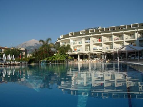 Zena Resort Hotel2