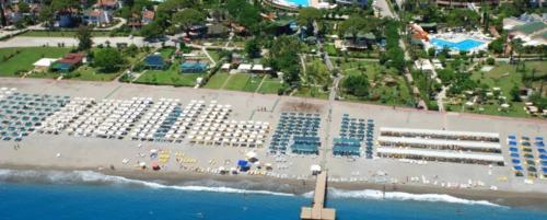 Zena Resort Hotel пляж