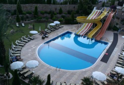 Zena Resort Hotel  водные горки